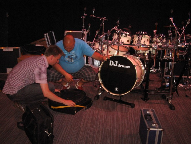 Ruben and Collin - packing up the drums