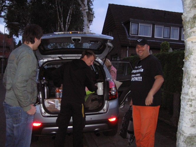 Packing the car - Berry, Mattias, Jessica and Collin