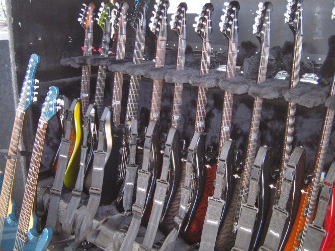 Guitar Heaven!